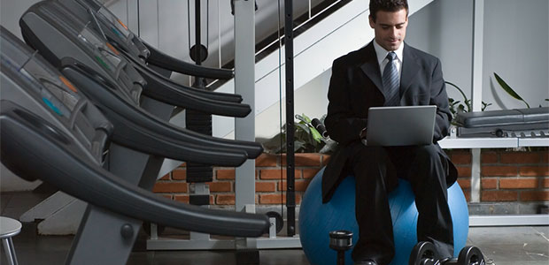 how to become a wellness program manager